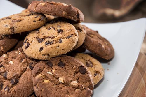 賞味期限 消費期限 クッキー 半年前
