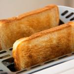 一人暮らしだと余ってしまう?食パンの賞味期限と保存方法