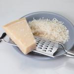 パルメザンチーズ・生クリームの賞味期限。塊になっているのは大丈夫?
