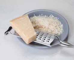 賞味期限 パルメザンチーズ 生クリーム 塊