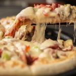 ピザの賞味期限。冷蔵庫・冷凍ではどのくらい持つ?