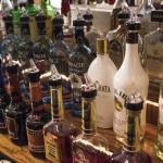 お酒類の賞味期限とカシス原液の開封後の保管方法